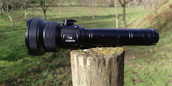 """REVIEW"": Brinyte T28 Artemis – Hunting Flashlight – 21700 - Zoomable – G/W/R - Rotary Switch [Pic Heavy]"